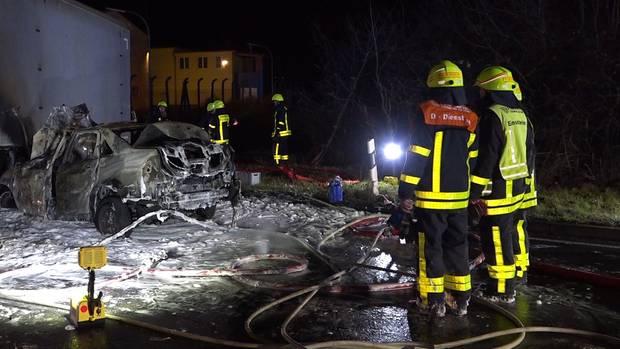 nachrichten deutschland - brennendes auto
