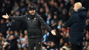 Premier League: Jürgen Klopp undPep Guardiola während des Spiels vonFC Liverpool undManchester City