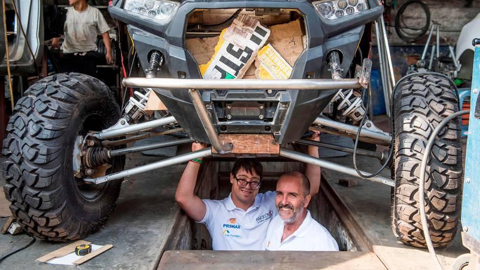 Lucas Barrón und sein Vater Jaques bereiten sich akribisch auf ihre ersten Rallye Dakar vor
