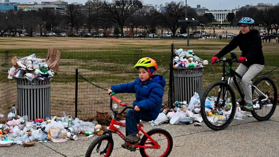 Shutdown in den USA: Überquellende Müllbehälter unweit des Weißen Hauses in Washington