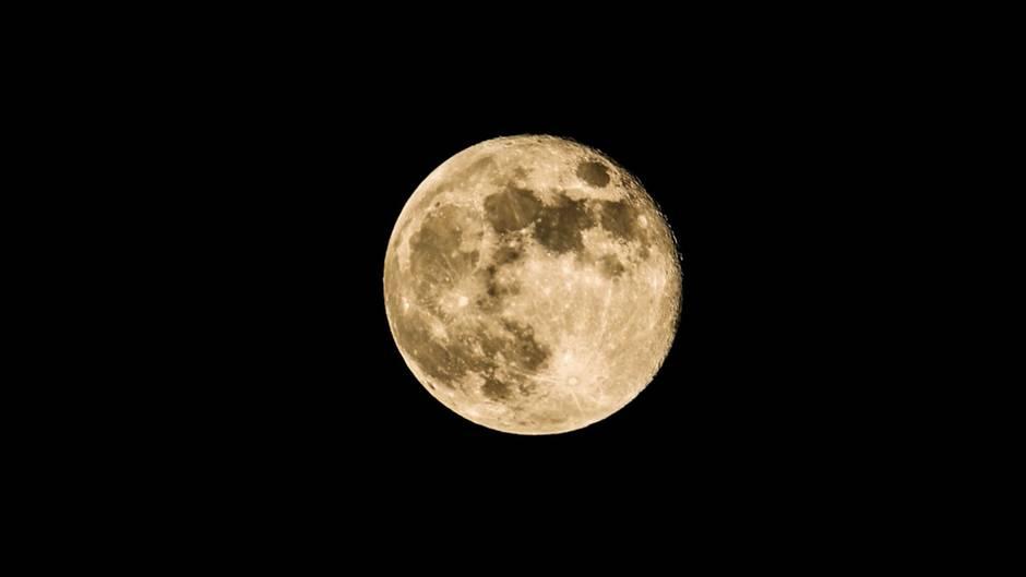 Der natürliche Satellit der Erde: Entstehung, Größe, Besuche: Das sollten Sie über den Mond wissen