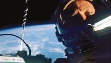 Zurück an der Gemini-XII-Kapsel: Buzz Aldrin nach seinem erfolgreichen Weltraumspaziergang
