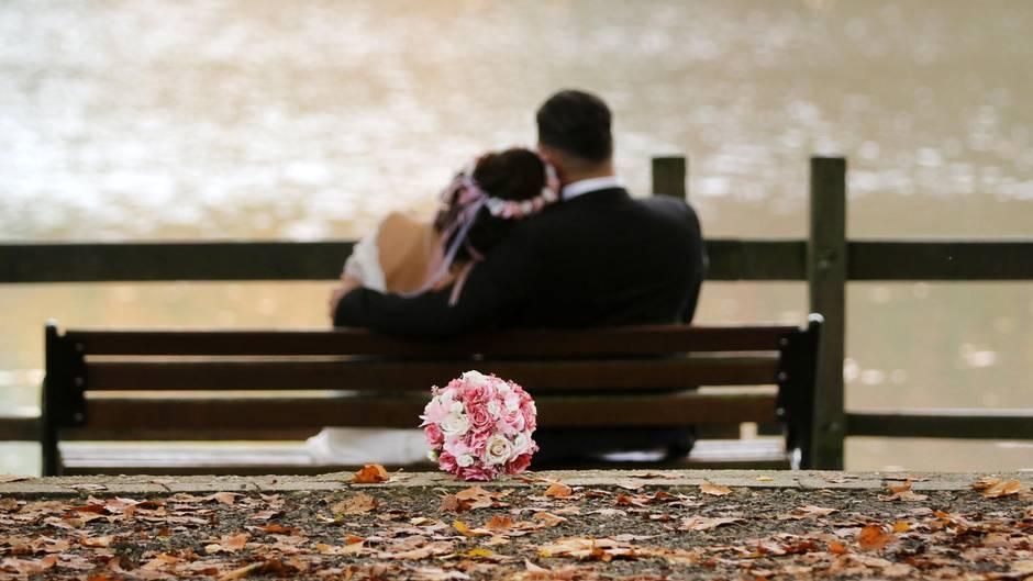 Hochzeit Brautpaar Verbannt Familie Mit Zwei Kindern Von Party