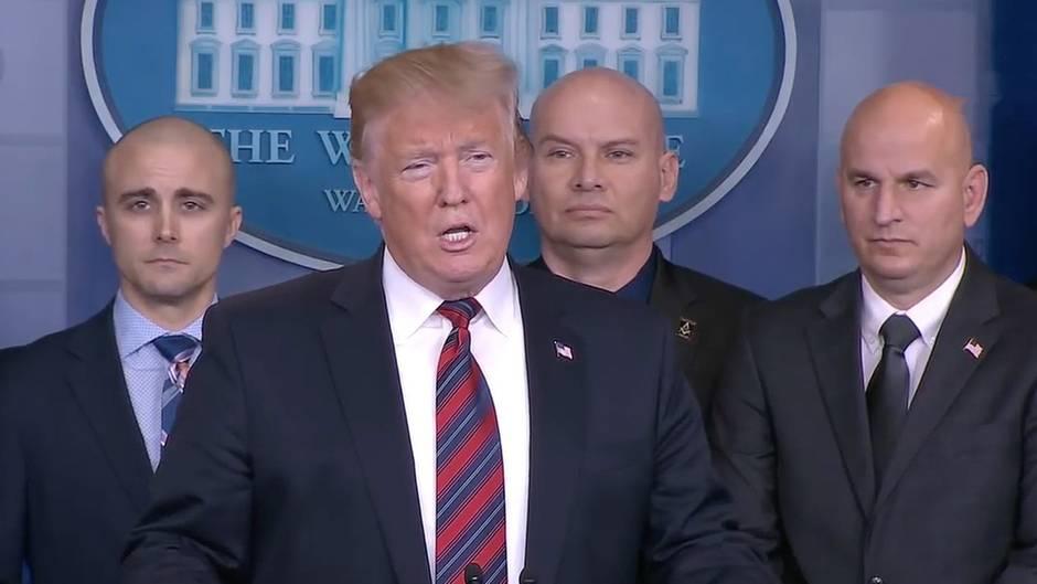 """Weißes Haus: """"Das war ein Stunt, keine Pressekonferenz"""": Trump wirbt für Mauerbau und vergrätzt Journalisten"""