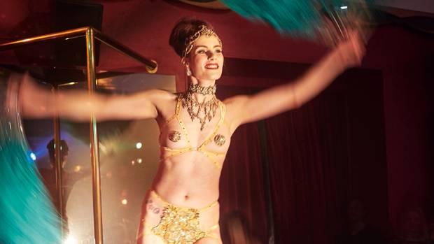 """""""Ich glaube ja, wer frei vögelt, denkt auch frei"""": Zu Besuch in einem Berliner Sexclub"""