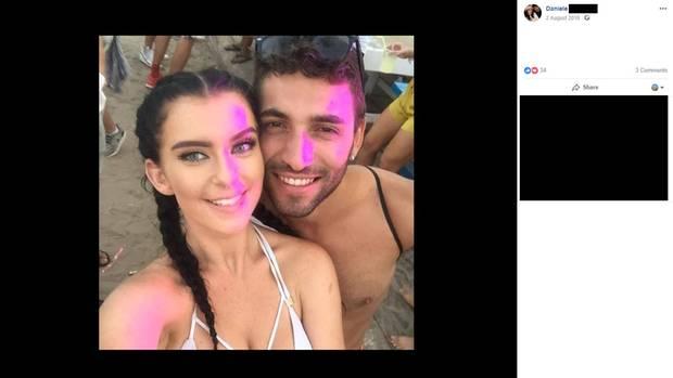 Dieses Bild von der Engländerin Chloe Smith und dem Italiener Daniele Marisco entstand 2016 als sich das Paar auf Ibiza kennenlernte. Daniele postete es als sein Profilbild.