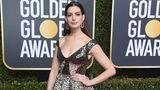 In Animal Print zu den Golden Globes? Schauspielerin Anne Hathaway sorgte mit ihrer Elie-Saab-Robe für erstaunte Blicke