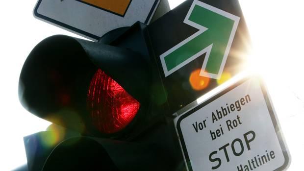 Verkehr: Grüner Pfeil für Radfahrer 2