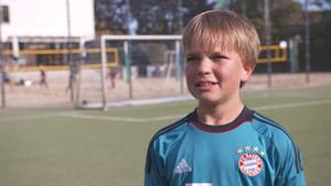 Alessandro Höppner ist heute 1,43 m groß – ohne die Verlängerungsoperationen wäre er 1,25 m groß.