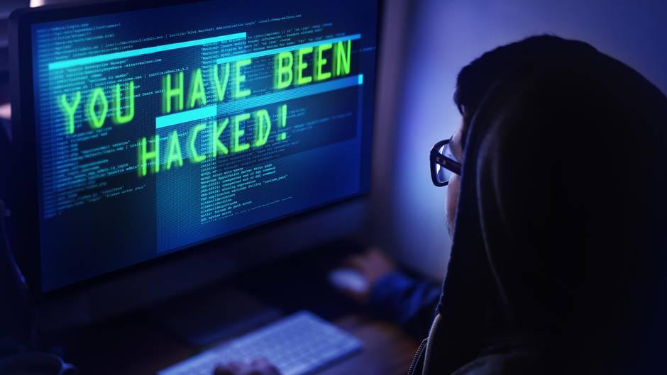Einem jungen Hacker aus Hamburg ist es gelungen, Daten unzähliger Politiker und Promis zu stehen und zu veröffentlichen (Symbolbild).