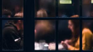 Dating: Mann bekommt Korb, weil er beim ersten Date nicht das Essen zahlt