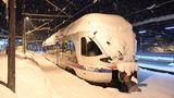 Der Zugverkehr wurde in Berchtesgaden eingestellt.Für viele Kinder vor allem in Oberbayern bedeutet das Wetter schulfrei.