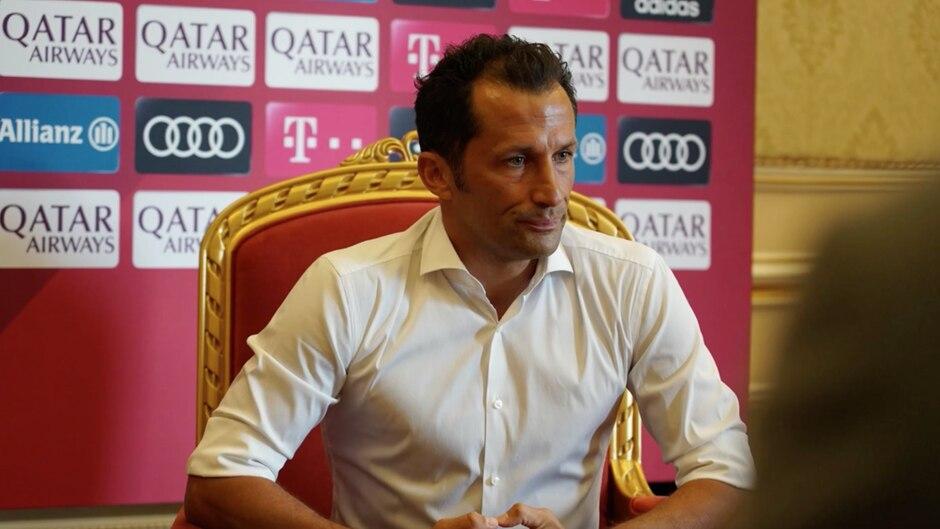 """Hasan Salihamidzic: """"Ribery isst ein vergoldetes Steak, Brazzo sitzt auf einem vergoldeten Thron"""" – so spottet Twitter über den FC Bayern"""