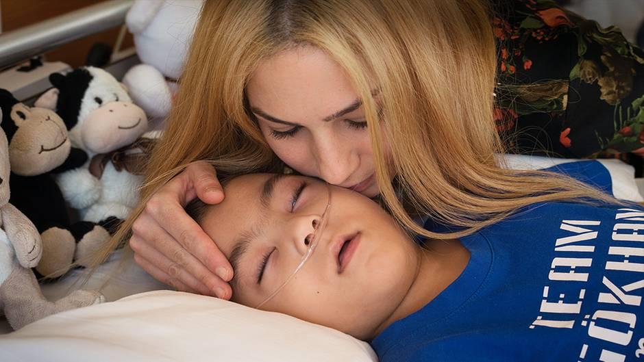Im Koma seit 16 Monaten: Gökhan wartet auf Fortschritte in der Medizin