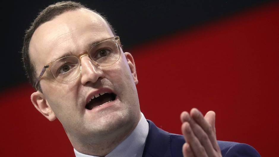 """Gesundheitsminister Jens Spahn will """"bis zu drei Millionen Frauen mit krankhaften Fettverteilungsstörungen"""" helfen"""