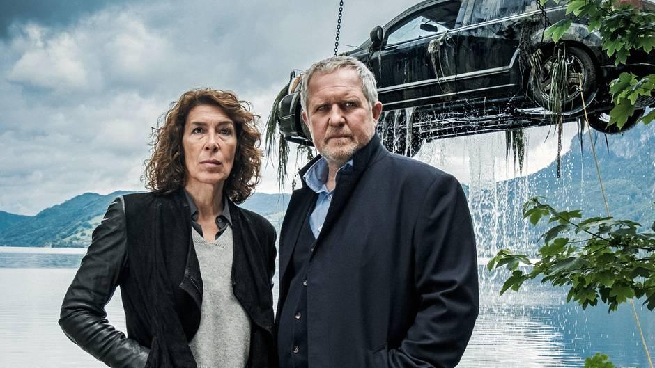 Die beiden Wiener Sonderermittler Bibi Fellner (Adele Neuhauser) und Moritz Eisner (Harald Krassnitzer) am Tatort