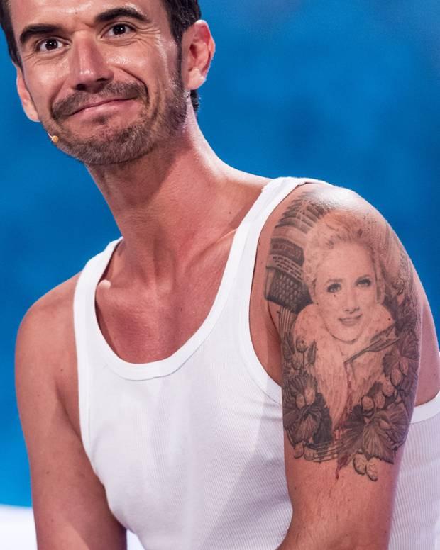 """Florian Silbereisen präsentiert 2015 die TV-Livesendung """"Die Besten im Sommer"""" und zeigt sich dabei im weißen Unterhemd"""