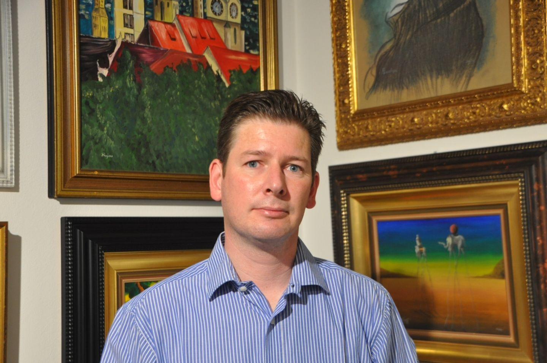 Marc-Oliver Boger in seinem Kujau-Kabinett