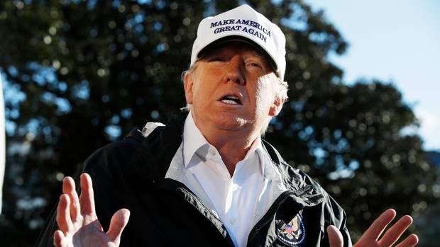 Donald Trump sagt live im Fernsehen, er habe das Weiße Haus seit Monaten nicht verlassen