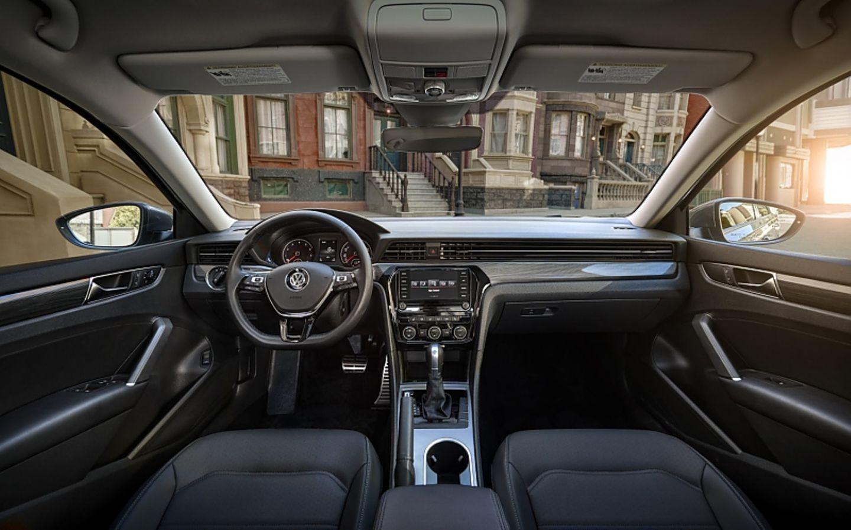 VW Passat USA 2020 - der Innenraum im bekannten VW-Look