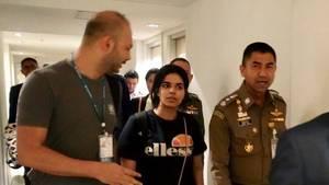 """""""Wir werden wie Sklaven behandelt"""": Geflohene 18-Jährige berichtet von Leben in Saudi-Arabien"""
