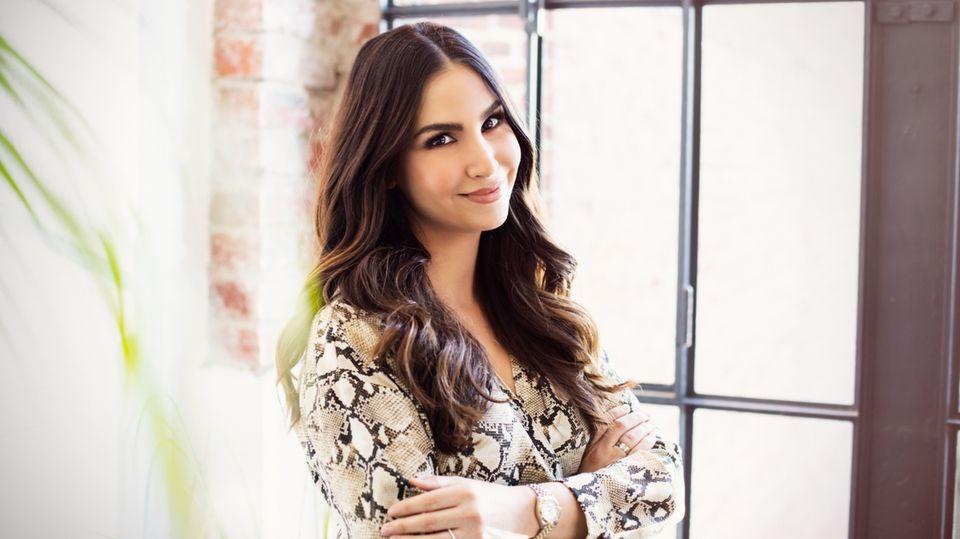 Sila Sahin-Radlinger lächelt in die Kamera