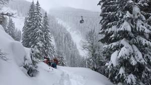 Rettung eines Snowboarders bei Zell am See