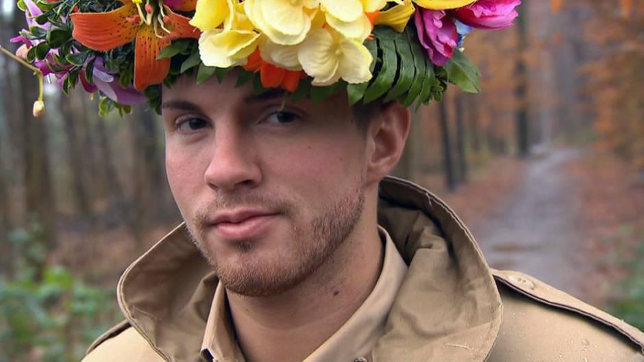 Auch Ex-Dschungelkönig Joey Heindle (2013) will mit stern TV den neuen Campsieger 2019 orakeln.