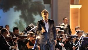 Der weltbekannte Tenor Jonas Kaufmann auf der Bühne