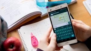 Schlafstörungen wegen Smartphone-Dauerbetrieb