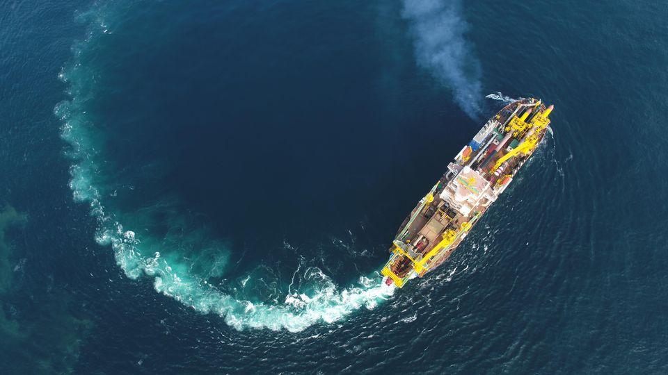 Die Tian Kun Hao schneidet den Meeresuntergrund auf, um ihn dann aufzusaugen.
