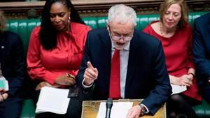 """Corbyn fordert Ende von Mays """"Zombie""""-Regierung"""