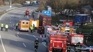 Nachrichten aus Deutschland: Unfallstelle mit Rettungswagen