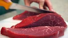 1,15 Kilogramm Fleisch essen die Deutschen pro Woche