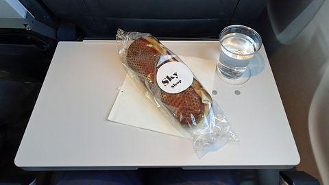 Klapptischchen im Flugzeug: Ist hier wirklich alles sauber?
