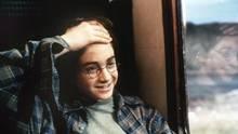 Harry otter zeigt seine Narbe