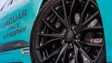 Auch die Bremsanlage Jaguar I-Pace eTrophy ist größer als beim normalen Elektromobil