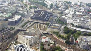 Der Hamburger Hauptbahnhof von oben