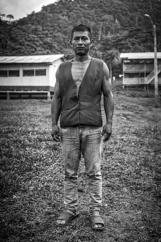 Domingo, Häuptling der Shuar aus dem Dorf Tsuntsuim