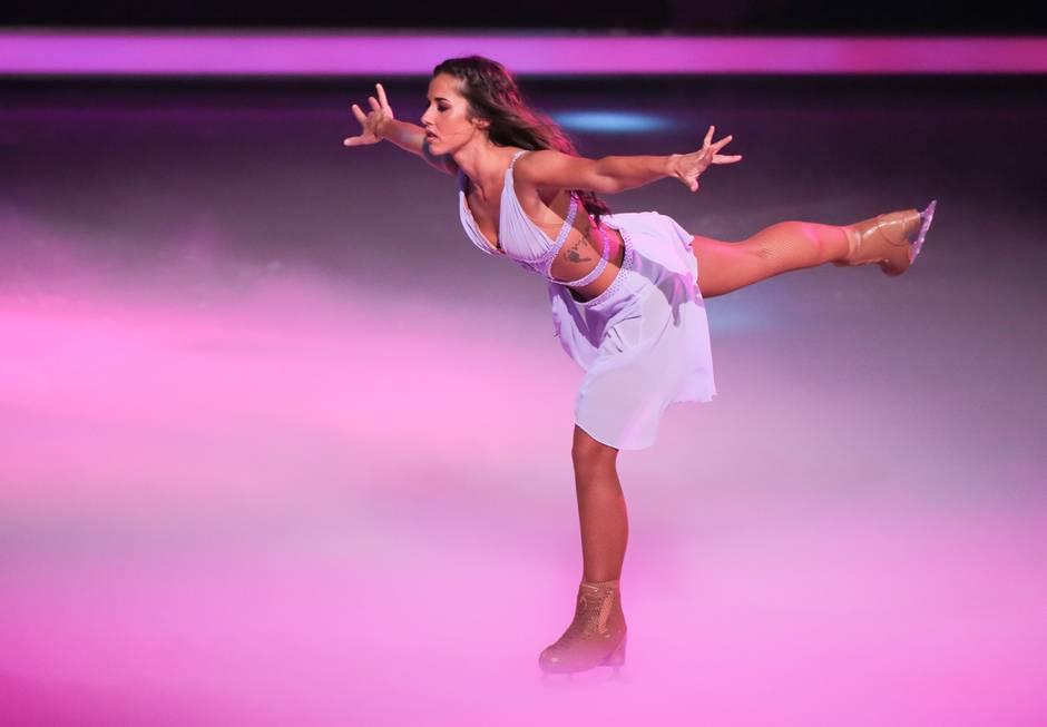 """Sarah Lombardi in der ersten Live-Show von """"Dancing on Ice"""""""