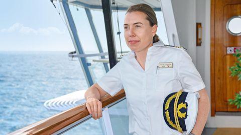 """Nicole Langosch ist seit März 2018 Kapitänin auf dem Kreuzfahrtschiff""""Aida Sol""""."""
