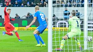 FC Bayern - TSG Hoffenheim - Leon Goretzka schießt das 1:0 für die Münchner