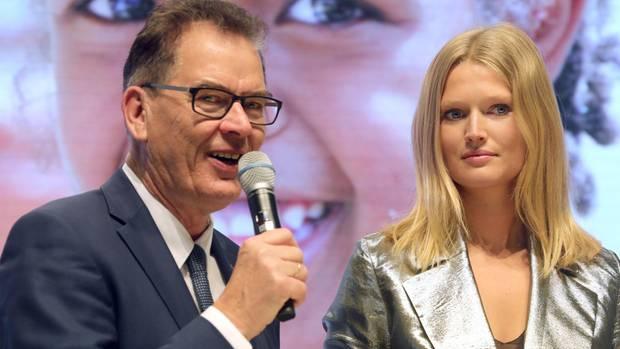 Tony Garrn und Gerd Müller tratender Grünen Woche gemeinsam auf