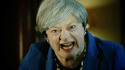 Andy Serkis parodiert Theresa May als Gollum