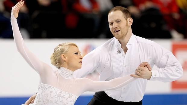 John Coughlin und seine Eislauf-Partnerin Caitlin Yankowskas im Januar 2011 bei den US-Meisterschaften