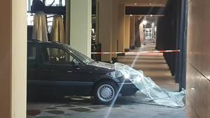Mit diesem Auto zerstörten Räuberdie Scheibe einesJuweliergeschäfts am Berliner Kurfürstendamm
