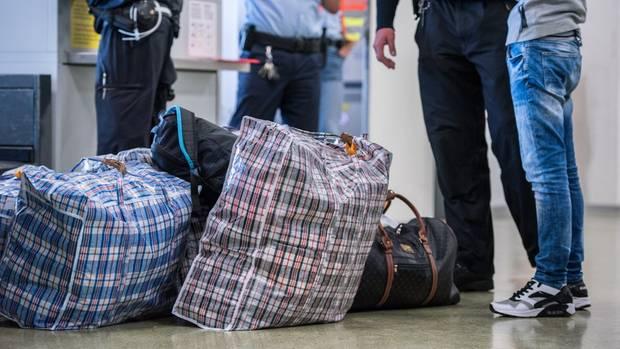 Foto der Flughafenpolizei als Symbolfoto für Nachrichten aus Deutschland