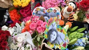 Die Blumen und das Bild erinnern in Melbourne an die ermordeteIsraelin