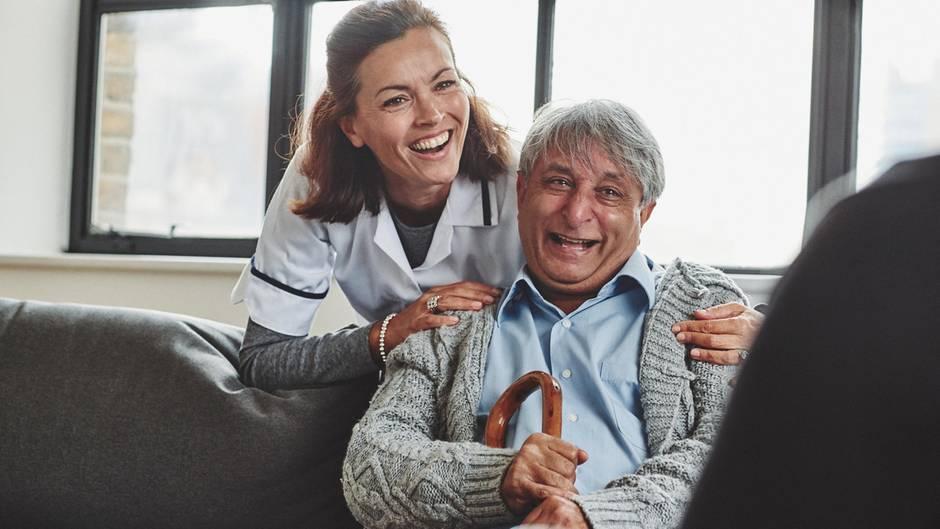 """Wenn Krankenschwestern aus ihrem Alltag berichten, gehören Sätze wie """"Hatten Sie heute schon Stuhlgang"""" einfach dazu (Symbolbild)"""