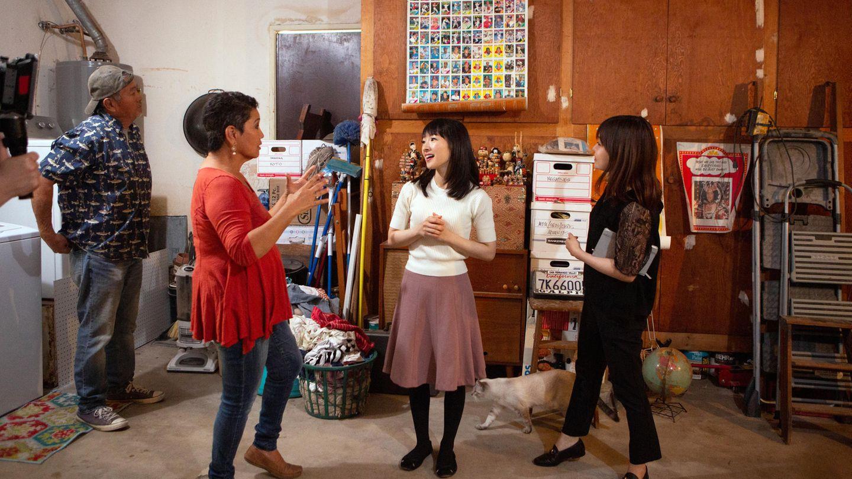 """""""Aufräumen mit Marie Kondo"""" - eine Szene aus der Netflix-Doku"""